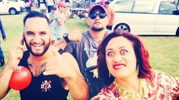 """Selfie: Miss Kihi me ngā """"da boys"""""""